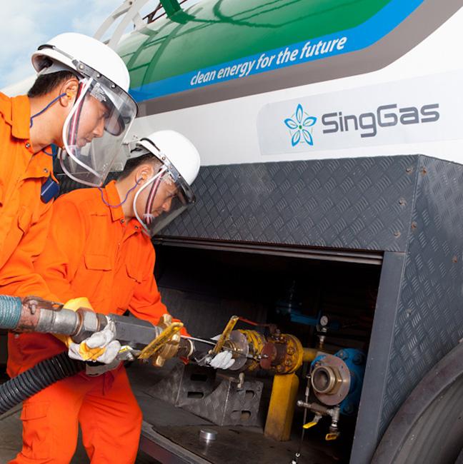 SingGas Employee Transferring LPG gas
