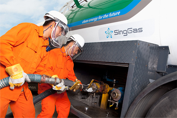 SingGas employee refueling gas